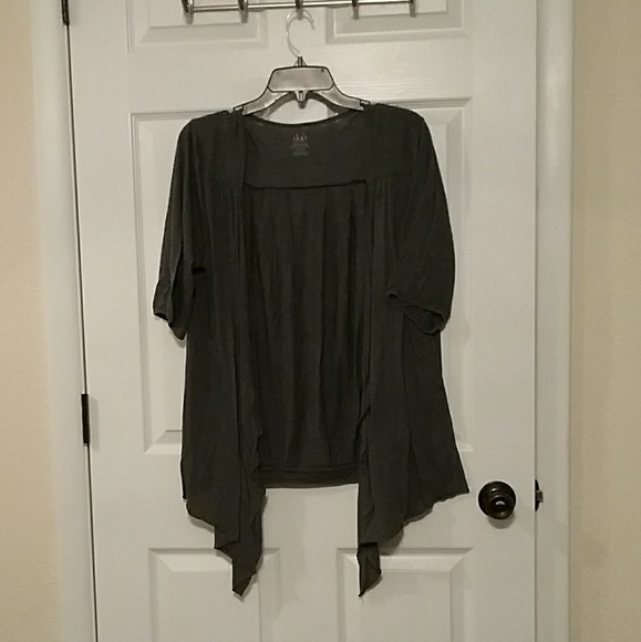 duo Maternity Other - 6/$20❤ Duo Maternity Thin Dressy Coverup